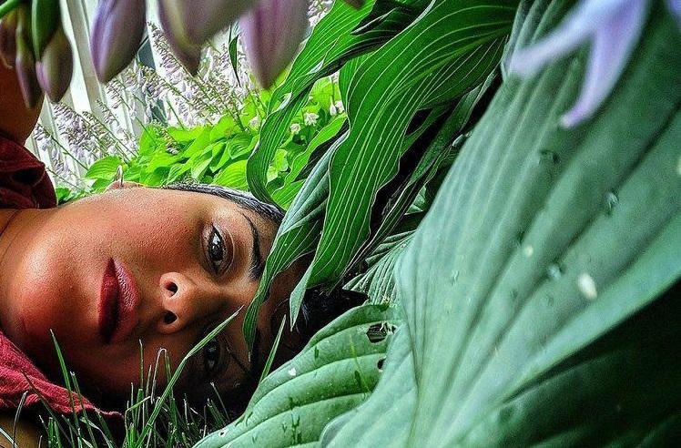 Arwa Abouon, fotografa libico-canadese, è morta a 38 anni