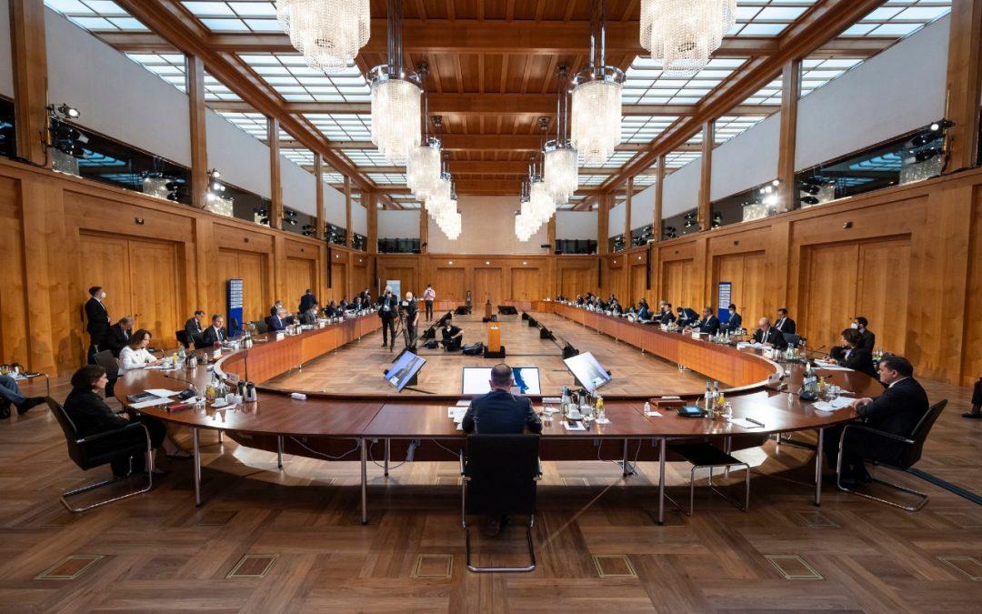 """Conferenza di Berlino: """"Via le forze straniere dalla Libia"""""""